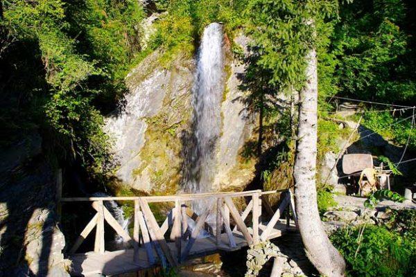 Jana Waterfalls, Manali